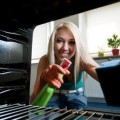 Очищаем духовой шкаф