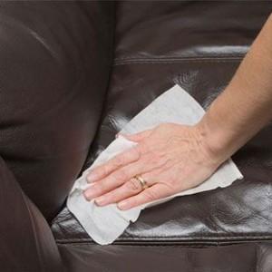Протирка дивана из кожи