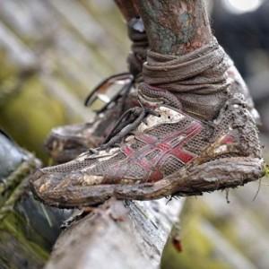 Грязная спортивная обувь