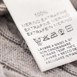 Ярлык на одежде с пиктограммами